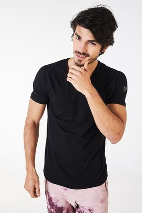 Remera-Bentley-Negro