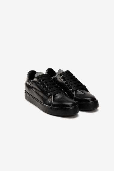 Calzado-Frixo-Negro